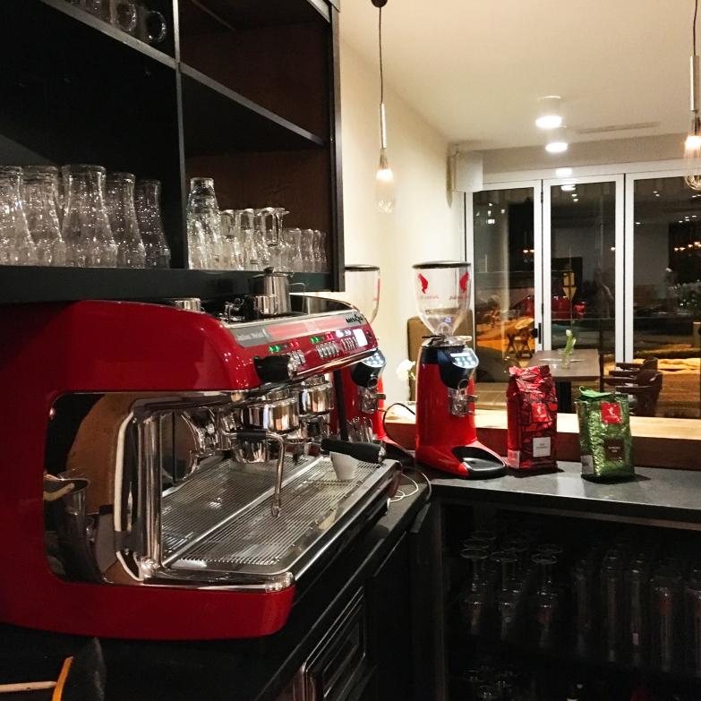 Kaffee Julius Meinl aus der La Cimbali im Cafe Stadtcafe Landeck