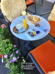 Frühstücken und Brunchen auf der Sonnenterrasse vom Stadtcafe Landeck - Cafe Restaurant Bar in 6500 Landeck, Malserstr. 49