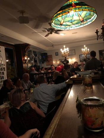 🌰 🍷 TÖRGGELEABEND 🍷🌰 🎅🎄WEIHNACHTSFEIER 🎄🎅 🎉 🍾 🥂 FESTE ALLER ART 🎉 🍾 🥂 Du hast Lust, Dein Fest im Stadtcafe zu feiern? Dann reservier Dein Fest, mit allem was dazu gehört, im Stadtcafe Landeck! Reservierungen und Anfragen unter: 0676 / 900940 oder info@stadtcafe-landeck.at Wir freuen uns auf Dich! Dein Stadtcafe Team STADTCAFE LANDECK Malserstraße 49 6500 Landeck, Tirol