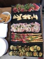 Aperitivo Italiano mit original italienischen Antipasti im Stadtcafe Landeck, jeden Freitag ab 16 Uhr am sonnigsten Platz von Landeck.