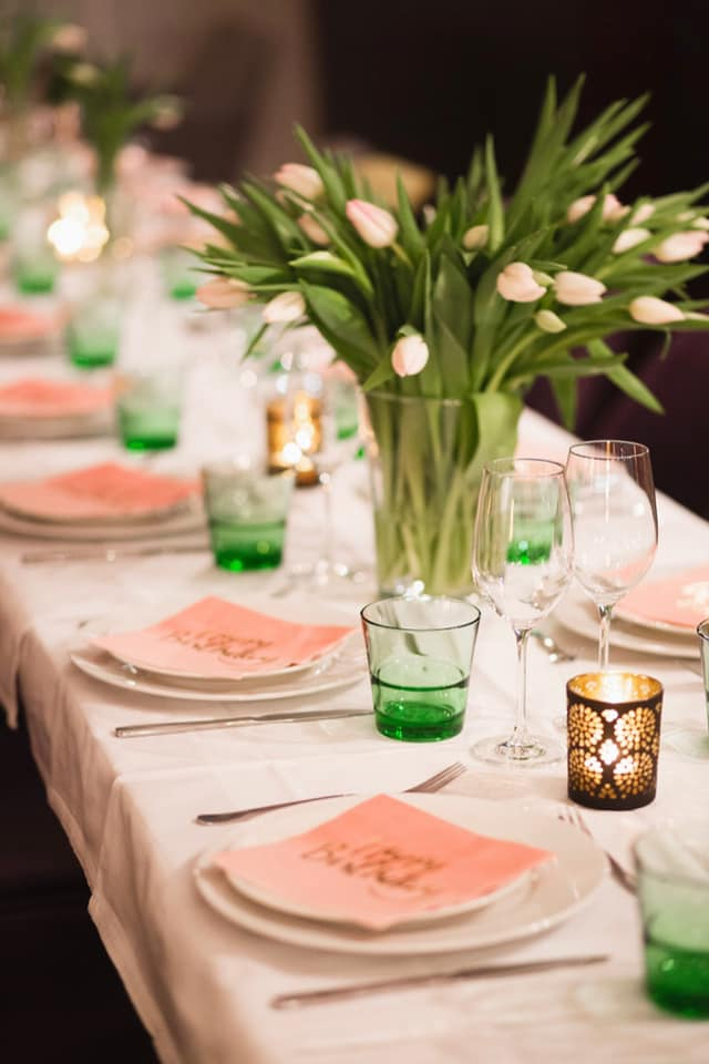 Feiern Sie Ihre Feste in der Panorama Lounge des Stadtcafe Landeck, Malserstrasse 49. Tel. 05442/65080